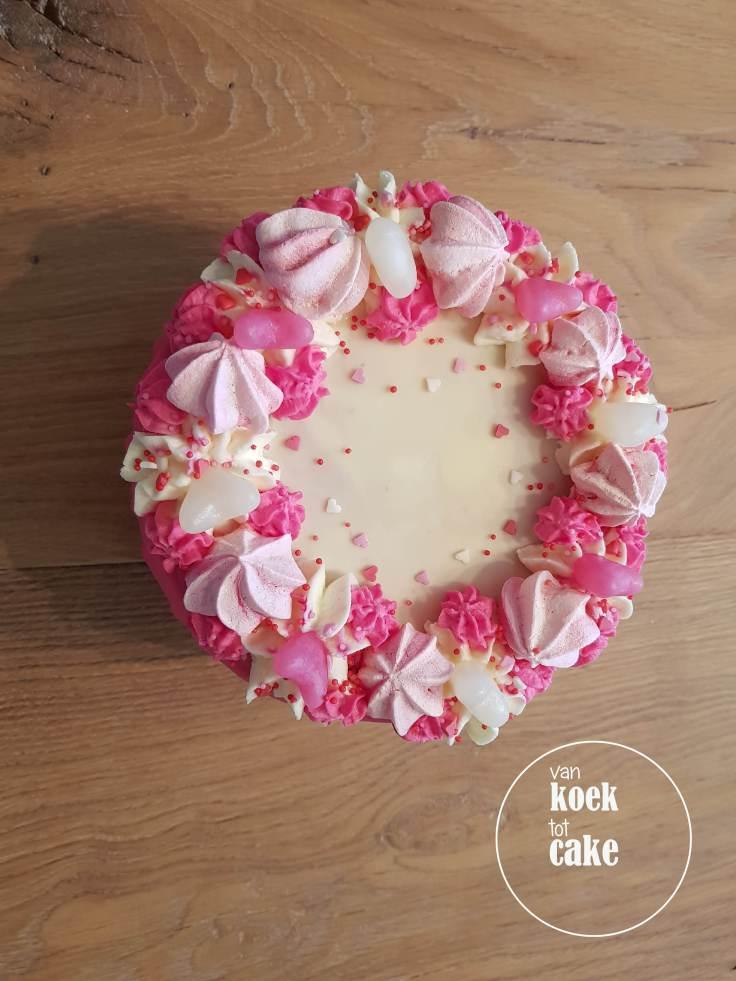 Valentijnstaart-Valentijn-taart-van-koek-tot-cake-4