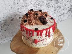 Skull drip cake taart