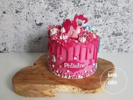 Verjaardagstaart jongen en meisje blauw en roze