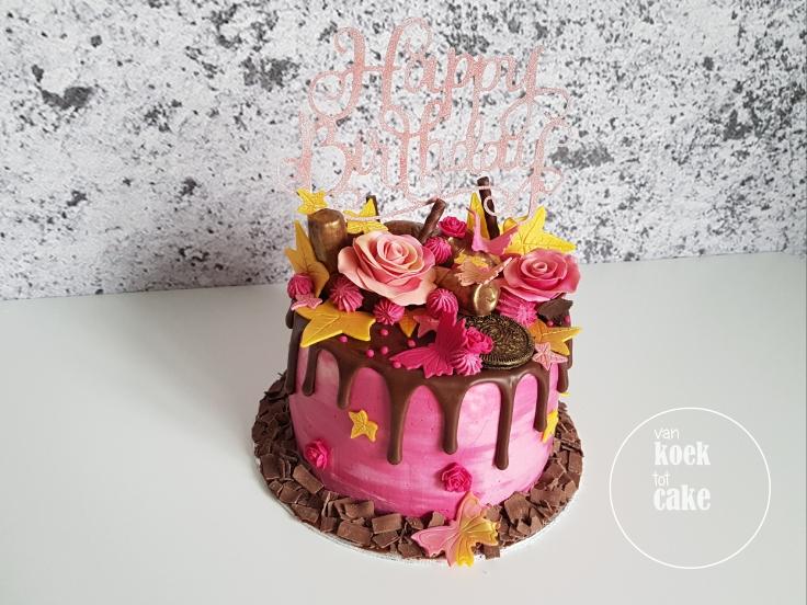Verjaardagstaart roze goud en heel veel chocolade en nutella