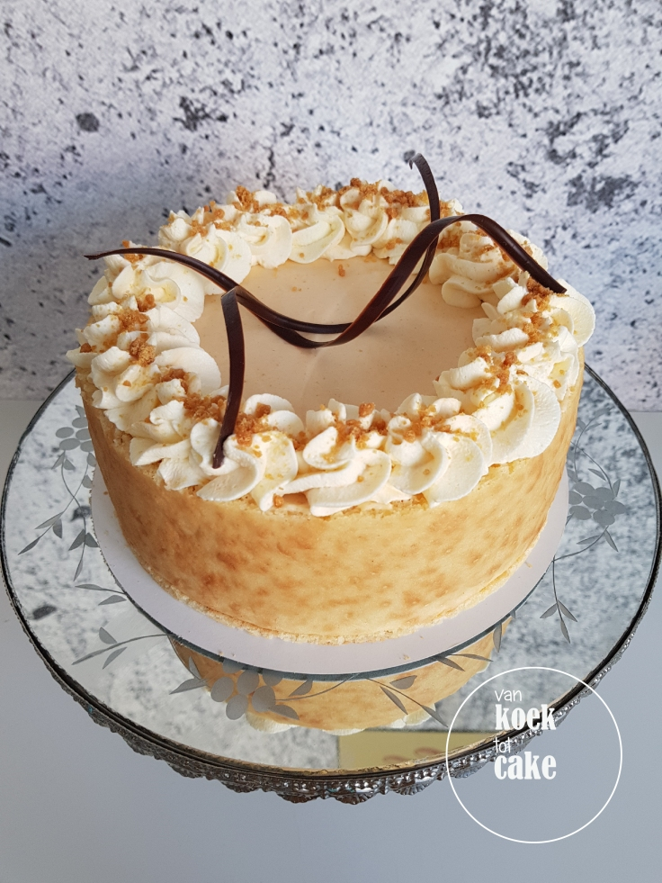 Abrikozen mousse taart met amandel biscuit - van koek tot cake middelburg