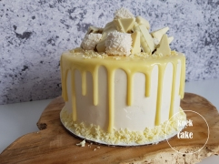 Witte chocolade repen taart drip cake met witte chocolade vulling - van koek tot cake Middelburg