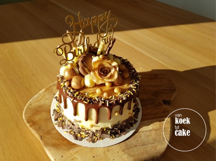 taart-goud-marsepein-dripcake-bestellen-middelburg-vlissingen-van-koek-tot-cake(0)