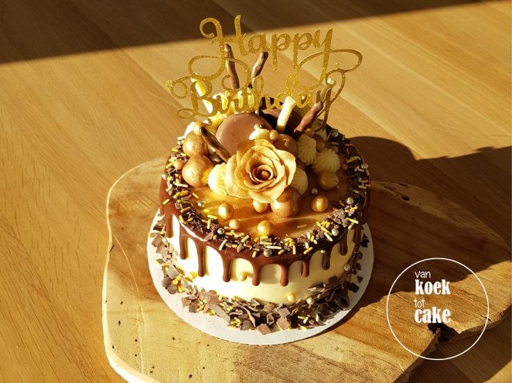 taart-goud-marsepein-dripcake-bestellen-middelburg-vlissingen-van-koek-tot-cake(2)