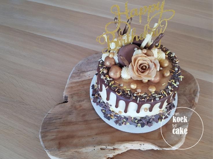 taart-goud-marsepein-dripcake-bestellen-middelburg-vlissingen-van-koek-tot-cake(3)