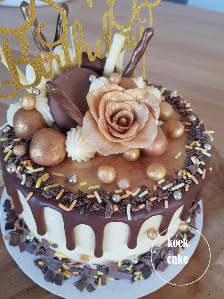 taart-goud-marsepein-dripcake-bestellen-middelburg-vlissingen-van-koek-tot-cake(4)