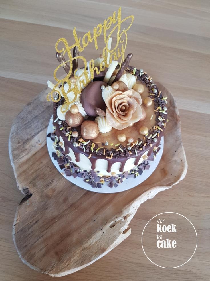 taart-goud-marsepein-dripcake-bestellen-middelburg-vlissingen-van-koek-tot-cake(5)