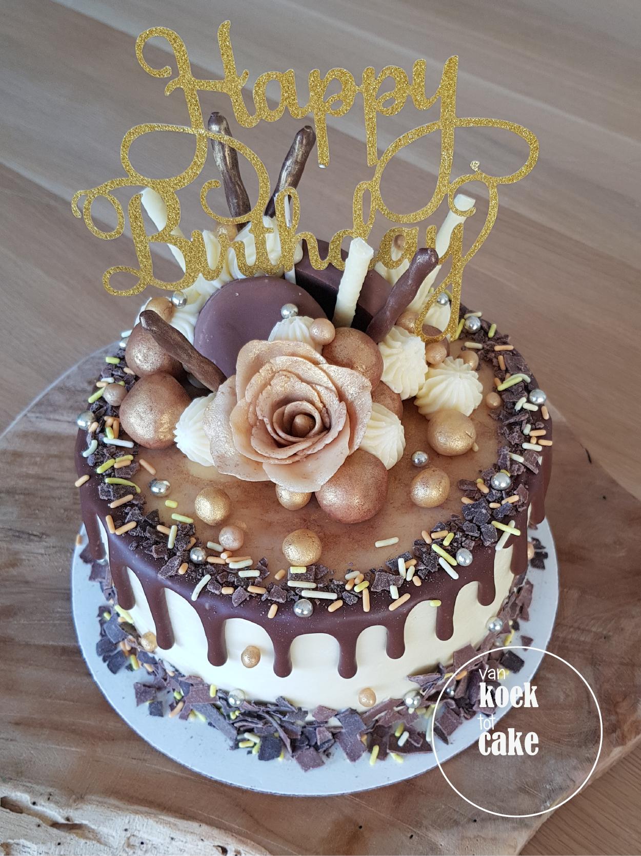 Welp Taart met goud, marsepein, chocolade en oreo vulling – Drip cake AN-73