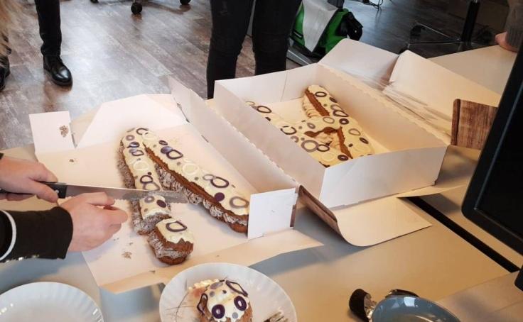 Letter Eclairs letter A en V | van koek tot cake - Middelburg Vlissingen Oost-Souburg
