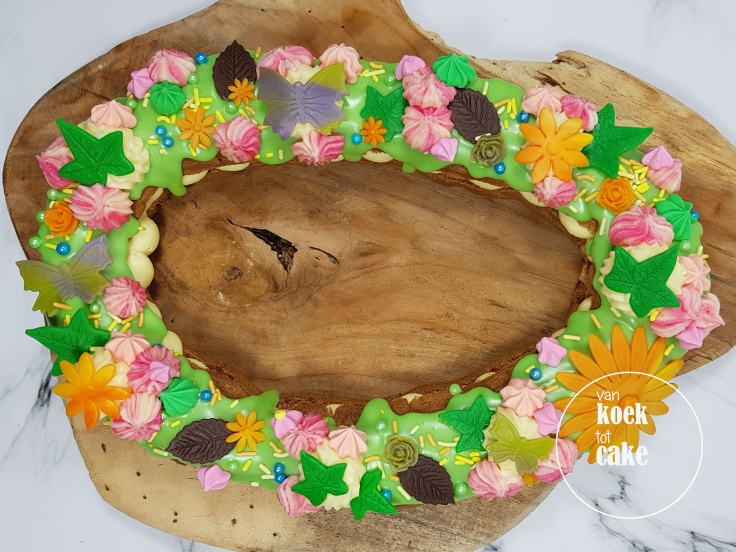 Lente bloemen en vlinder eclair gebak taart - van koek tot cake - bestellen Middelburg Vlissingen Oost-Souburg