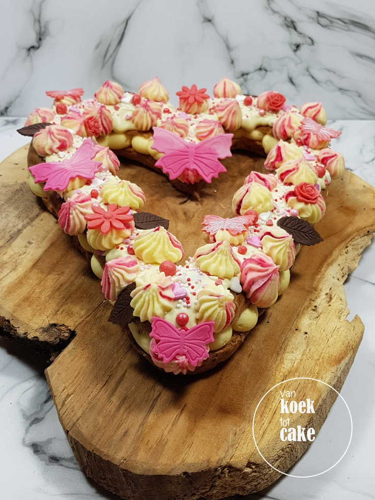 Valentijn eclair gebak taart - van koek tot cake - bestellen Middelburg Vlissingen Oost-Souburg
