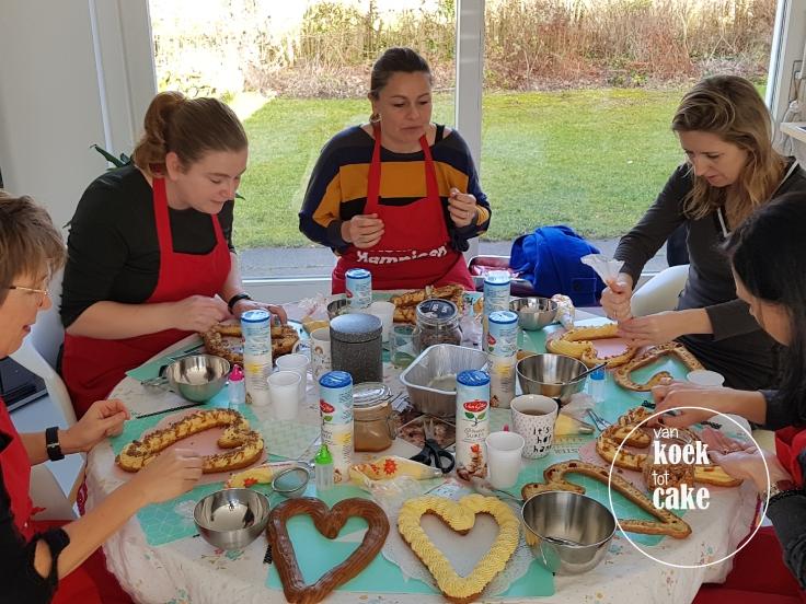 Workshop eclair taart decoreren aan huis - Middelburg Vlissingen Oost-Souburg - van koek tot cake