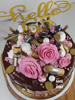 Taart 65e verjaardag! Hello 65 dripcake - bestellen Middelbrug Vlissingen Oost-Souburg - van koek tot cake