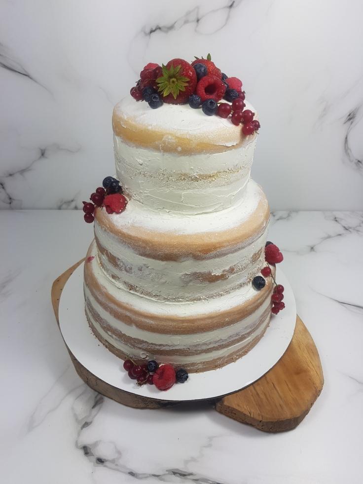 Bruidstaart naked cake rood fruit   Bruidsgebak en bruidstaart bestellen Zeeland Middelburg Vlissingen