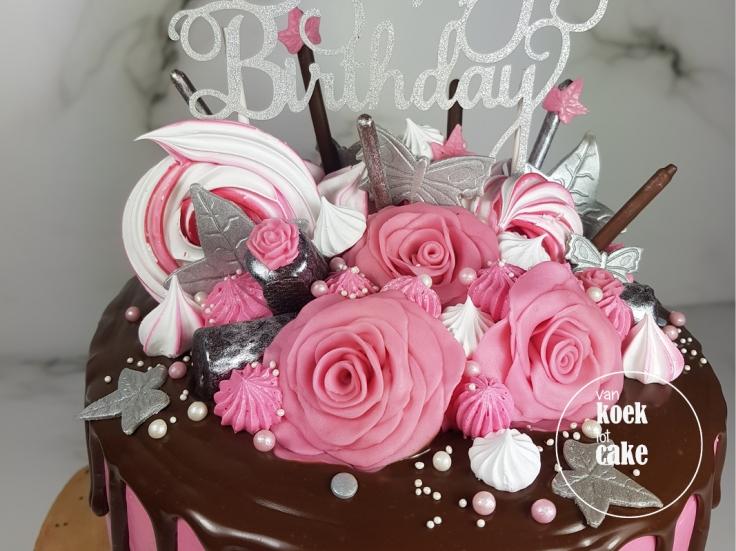 Verjaardagstaart drip cake roze zilver en wit | bestellen Zeeland Walcheren Oost-Souburg Middelburg Vlissingen | van koek tot cake