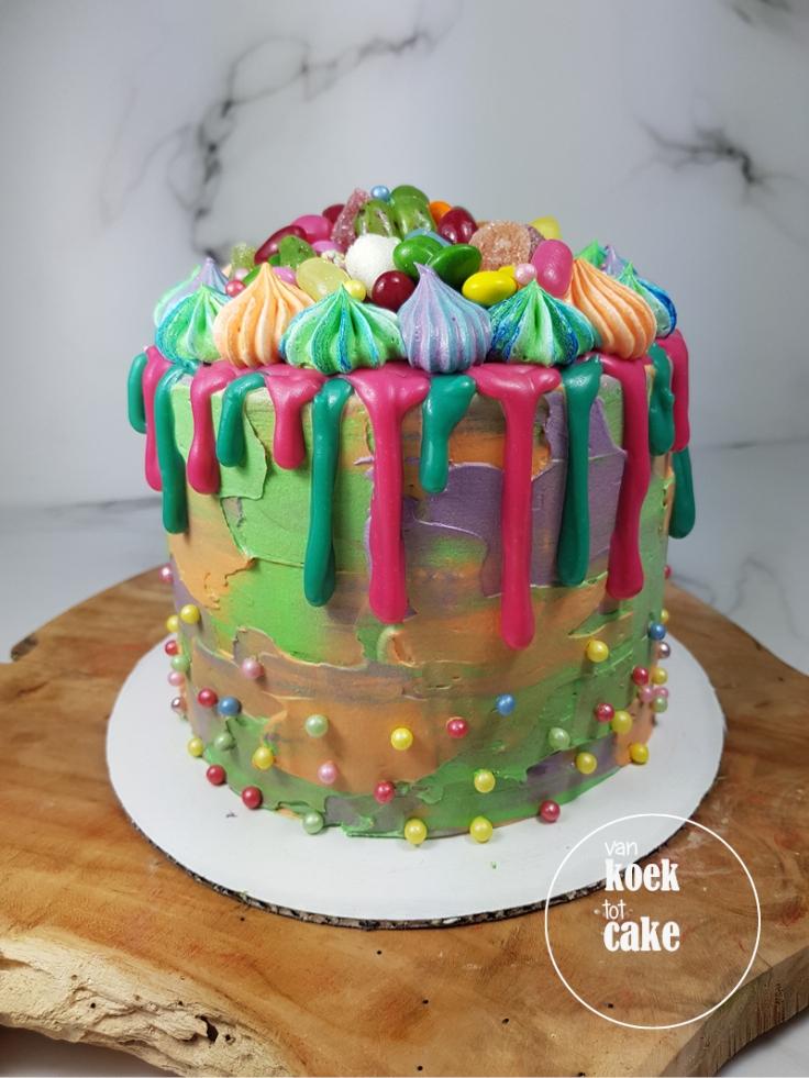 Vrolijke verjaardagstaart drip cake met snoep | bestellen Zeeland Vlissingen Middelburg Oost-Souburg | van koek tot cake