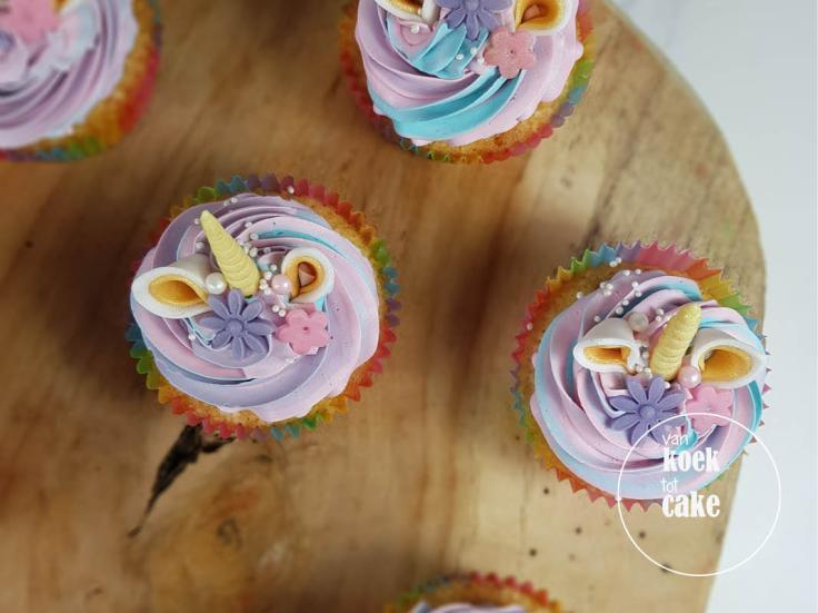 Unicorn drip cake en cupcakes roze paar - Bestellen Vlissingen Middelburg Oost-Souburg Zeeland